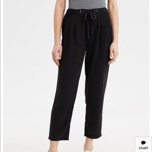 American Eagle AE high waisted tapered pant black